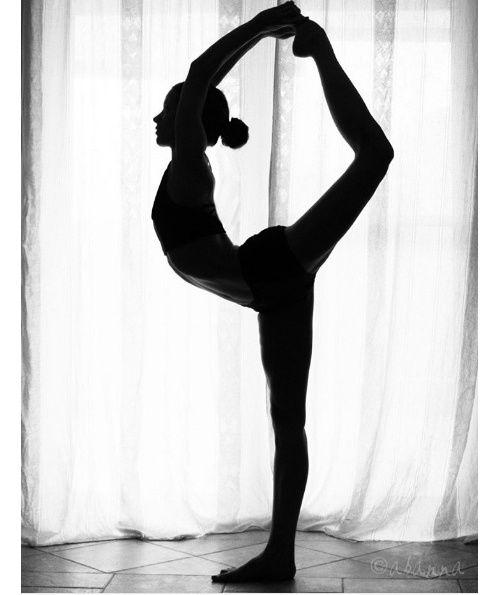 Le yoga poétique et contrasté de Dana
