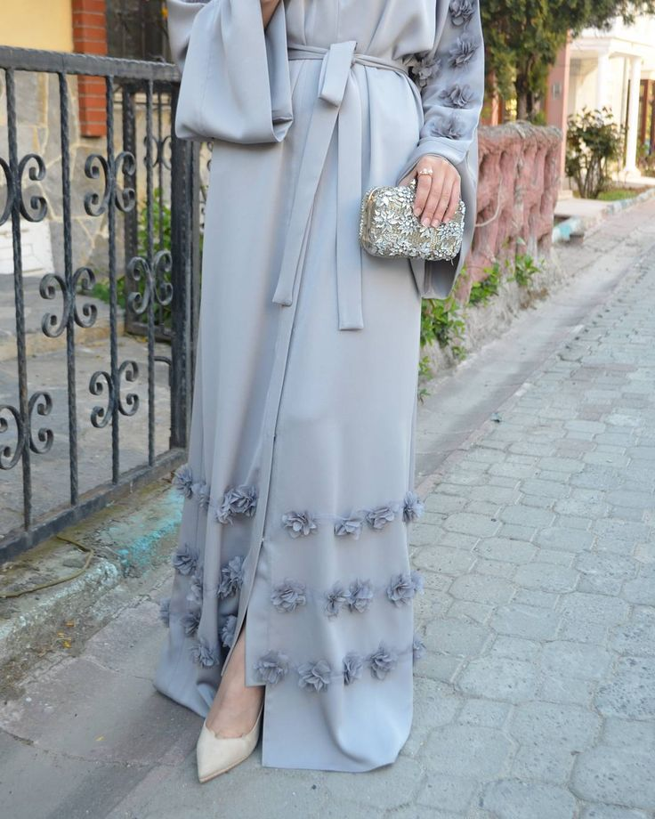 Grey Rose Abaya. #EsteeAudra#abaya#modestfashion