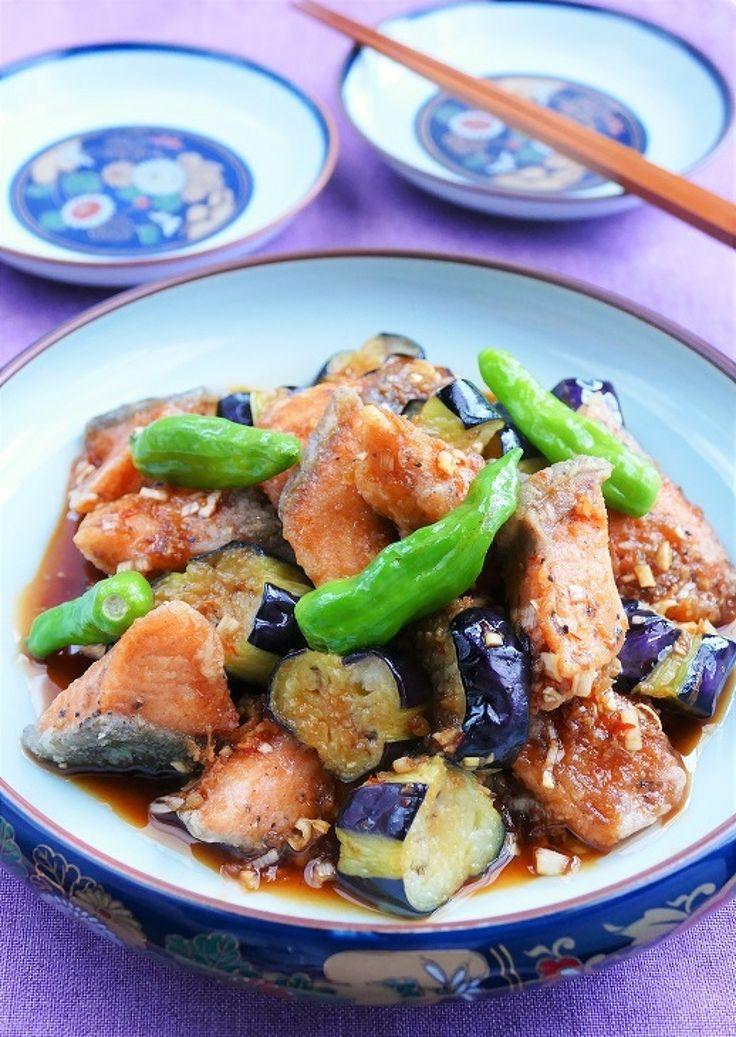秋鮭と茄子の中華南蛮タレ by 長岡美津恵akai-salad / 秋鮭と秋茄子のコラボ。ネギをたっぷり加えたピリ辛な中華南蛮タレがとてもよく合います。 / Nadia