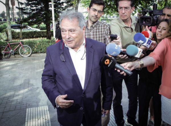 Alfonso Rus alimenta la teoría de la conspiración, por @JuanNietoIvars  ... - http://www.vistoenlosperiodicos.com/alfonso-rus-alimenta-la-teoria-de-la-conspiracion-por-juannietoivars/