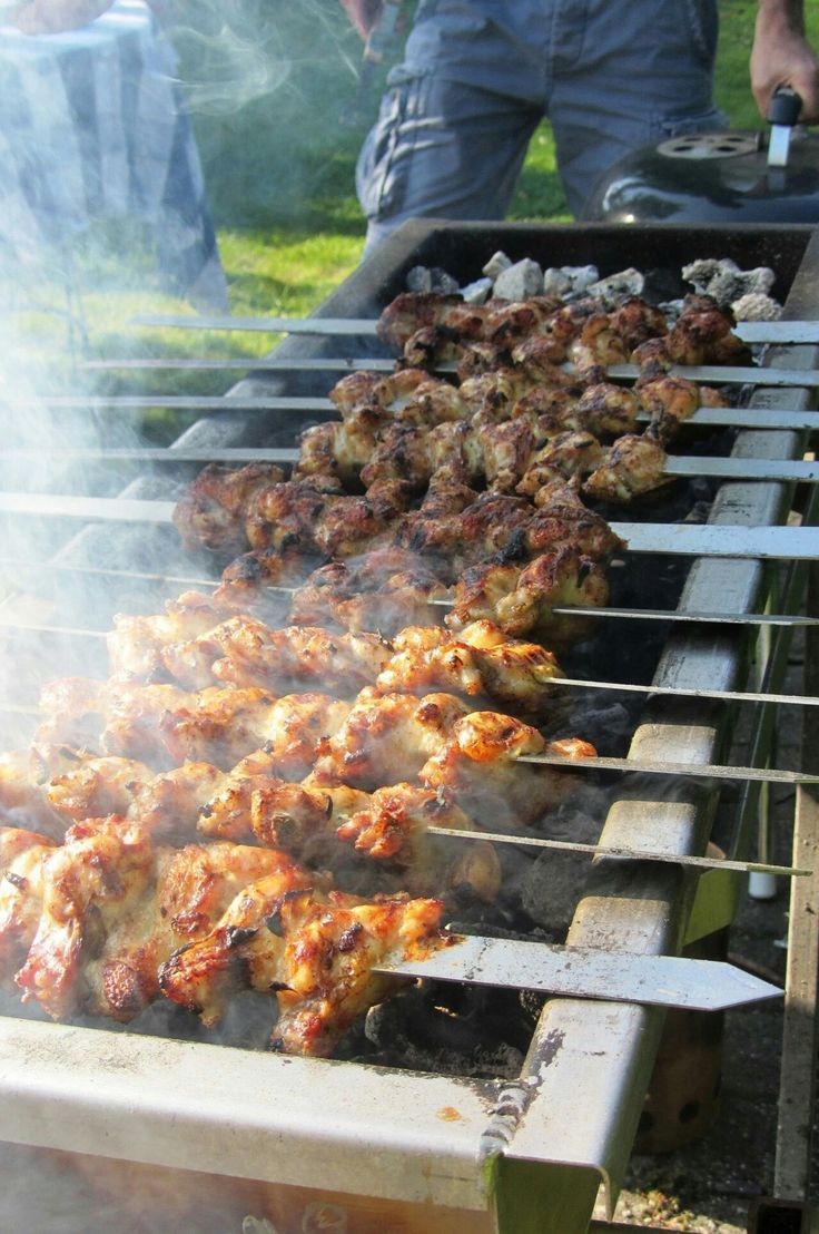 Perzische gegrilde kipkluifjes van de BBQ; het geheim van de heerlijke knapperige kip zit hem in de marinade!