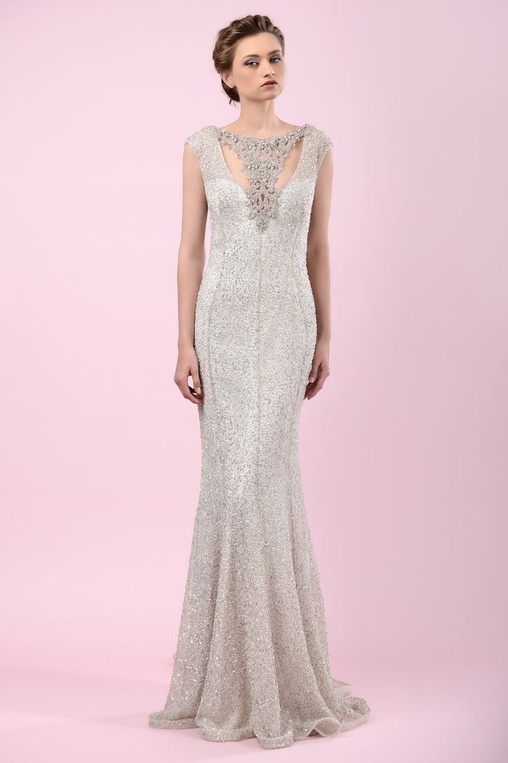 W16 4038 | Available at Pearl Bridal House