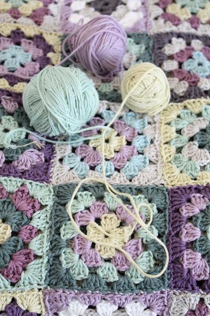 granny squares + yarn #crochet