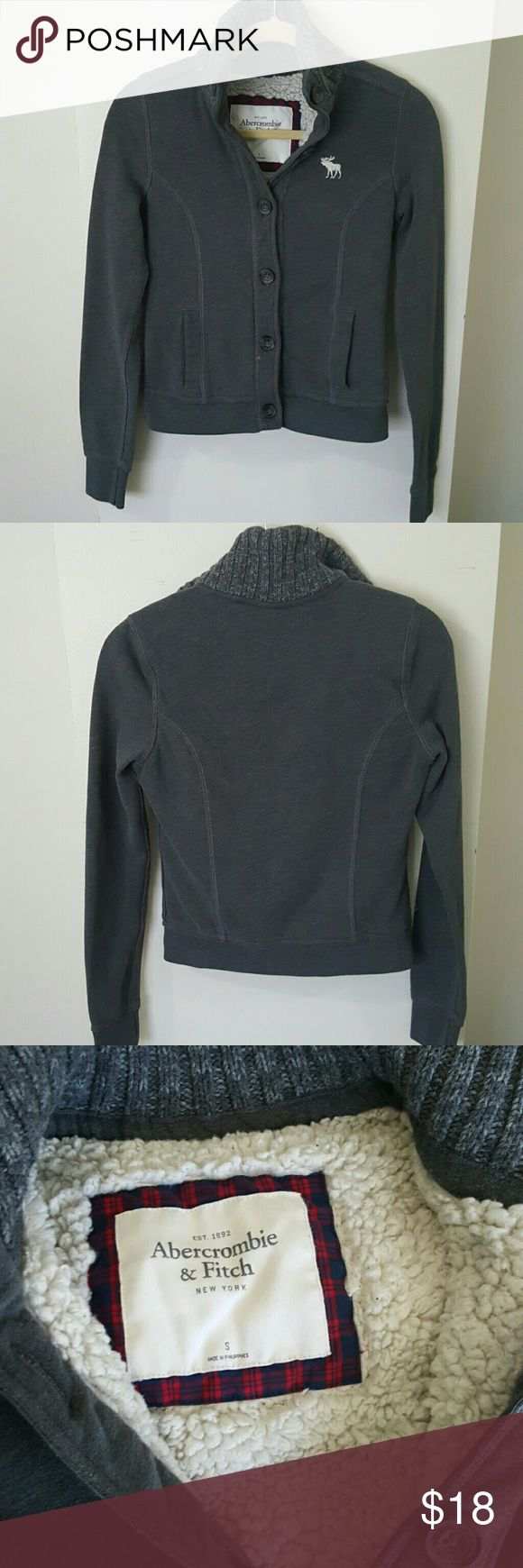 Abercrombie and fitch sweater jacket Grey Abercrombie and fitch jacket  Size: Small  6 button closure   Very warm and cozy Abercrombie & Fitch Jackets & Coats