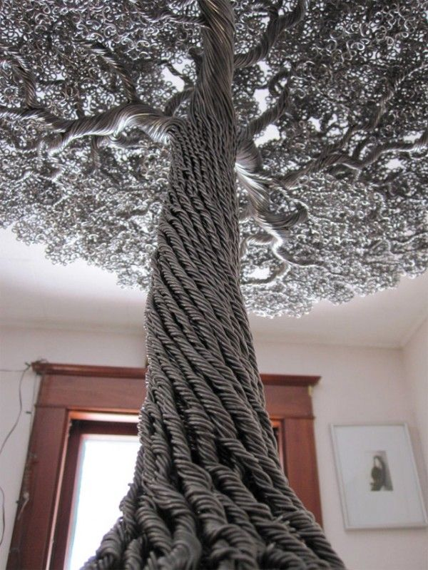 Árboles de alambre de Kevin Iris    Estas magnificos arboles hechos con alambre son obra del artista Kevin Iris
