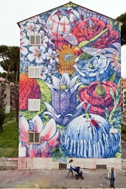 Roma Sanbasilio, il quartiere diventa galleria d'arte a cielo aperto con i graffiti di Hitnes
