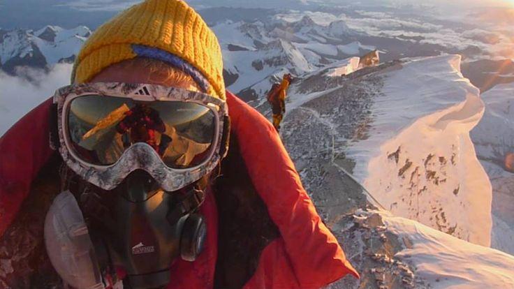 Der blinde Bergsteiger Andy Holzer hat es tatsächlich geschafft, den Gipfel des Mount Everest auf einer der schwierigsten Routen