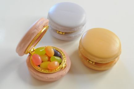 Macaroon boxes for storing jewels, candy, anything!: Idea, Cupcake, Jewelry Pill Boxes, Things, Macaron Jewelry, Macaroon Boxes, Jewelry Boxes, Shaped Boxes