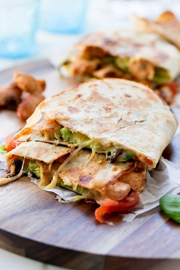 Bbq Chicken Pizzadilla http://cafedelites.com