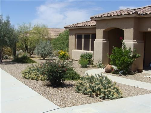 17 best images about desert landscaping on pinterest for Front yard courtyard design