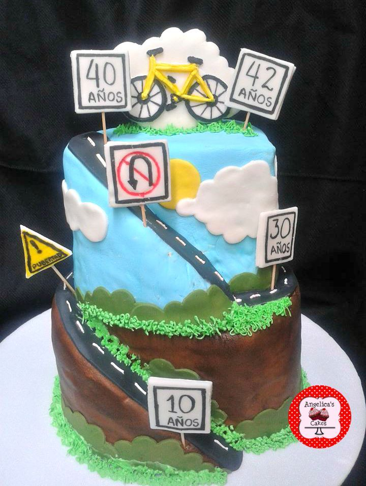 Road Bike Cake Decoration : 17 Best images about car club cake idea on Pinterest Car ...