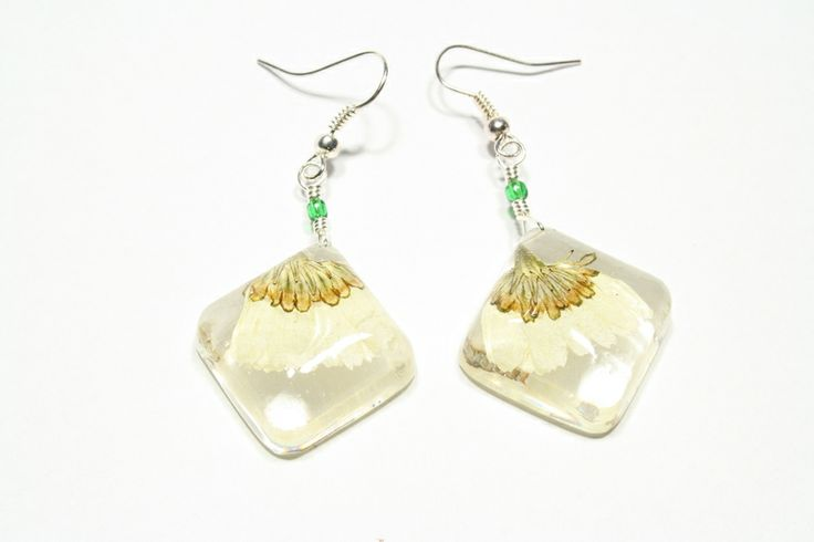 Square resin earrings with pressed flowers from Pulchra by DaWanda.com