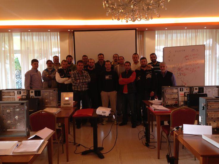Το πιστοποιημένο ΚΝΧ εκπαιδευτικό κέντρο της Quantum σε συνεργασία με την Επαγγελματική και Επιστημονική Ένωση Τεχνολογικής Εκπαίδευσης Μηχανικών Ζακύνθου (ΕΕΤΕΜ) διοργάνωσε για πρώτη φορά στην Ζάκυνθο το Πιστοποιημένο Σεμινάριο ΚΝΧ Basic Course. Δεκαέξι μηχανικοί που θέλουν να αξιοποιήσουν την τεχνολογία ΚΝΧ κυρίως στις πολυάριθμες ξενοδοχειακές επιχειρήσεις του νησιού παρακολούθησαν με μεγάλο ενδιαφέρον το διεθνώς αναγνωρισμένο σεμινάριο.