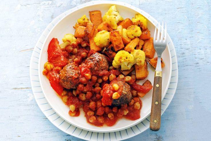 Ovengroente met gehaktballetjes in tomatensaus - Recept - Allerhande