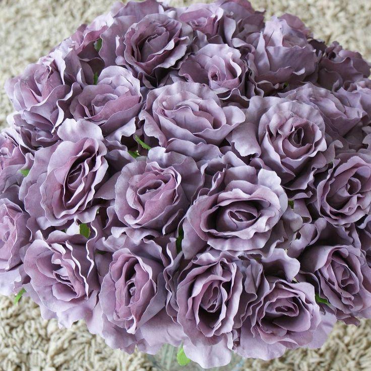 Trandafirii au inceput sa infloreasca  #flori #artificiale #floriartificiale #trandafiri #lila #mov #purpuriu #violet #plante #uscate #planteuscate #floriuscate #decoratiuni #naturale #cadou #unicat #infrumusetare #casa #birou #flowerstagram #beatrixart www.beatrixart.ro