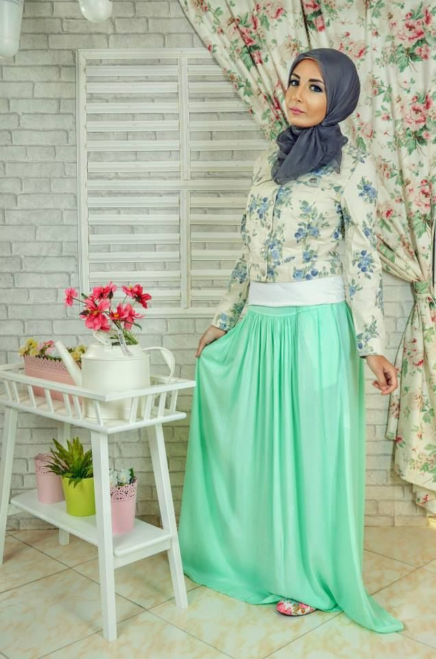 hijab look mint maxi skirt,  floral top Casual hijab looks by 27dresses http://www.justtrendygirls.com/casual-hijab-looks-by-27dresses/