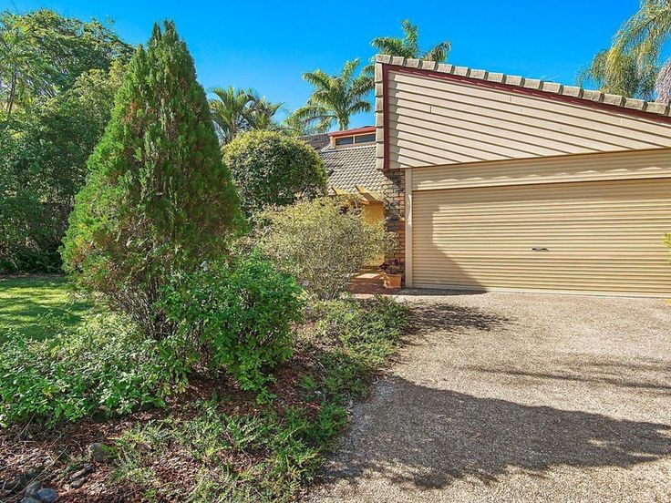 With ample family accommodation and an enviable Mt. Coot-tha foothill location, this generous home provides character warmth and a convenient lifestyle with shops, cafés and transport all just a short stroll away.