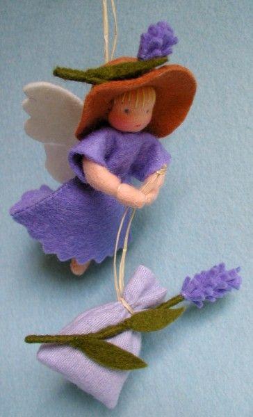 Atelier Pippilotta :: Zomer, lavendel elf, lavender summer nature table