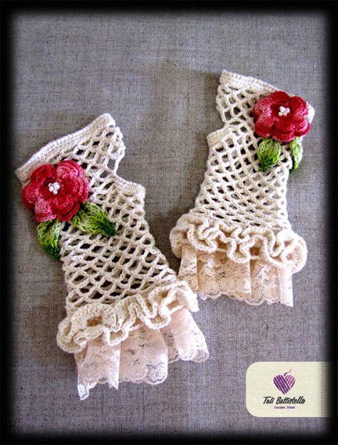 crochet lace gloves from http://talibattistella.blogspot.com/2010/07/luvas-de-renda.html