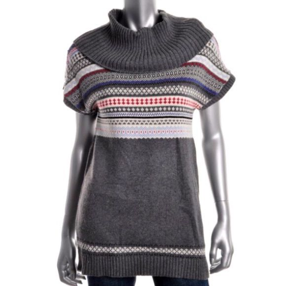 NWT $90 TOMMY HILFIGER Sz S Tunic Sweater BRAND NEW WITH TAGS!   RETAIL: $89.50    Ladies TOMMY HILFIGER pullover tunic top / sweater        SIZE: Small     COLOR: Med Heather Grey         FEATURES: longer length, cowl neckline and short sleeves. Looks great with a pair of leggings or jeans! Tommy Hilfiger Tops Tunics