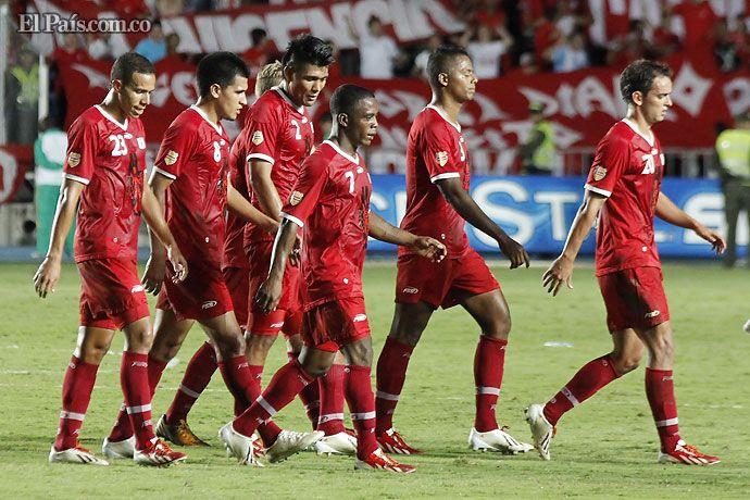 Desconcertados terminaron los jugadores del América de Cali, tras perder con Llaneros FC (0-2) en el Pascual Guerrero, juego correspondiente a la cuarta fecha de los cuadrangulares del Torneo Postobón I de 2013