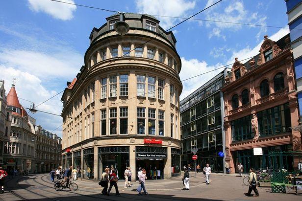 Halle (Saale) - Händelstadt: Halle's City Centre - Numerous Shopping Streets