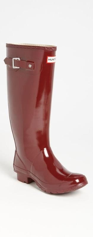 High-gloss Hunter boots in one of fall's hottest colors