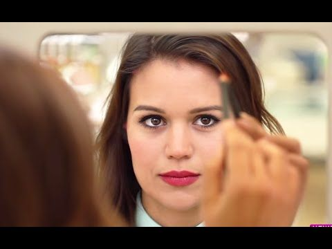 Find Your Face Shape With This Trick ... with hair back, trace your shape with eyeliner dots on the mirror