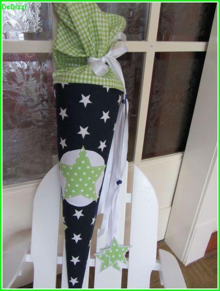 Schultüte ★ aus Stoff ★ blau weiß mit grünem Stern von De Dizzi auf DaWanda.com