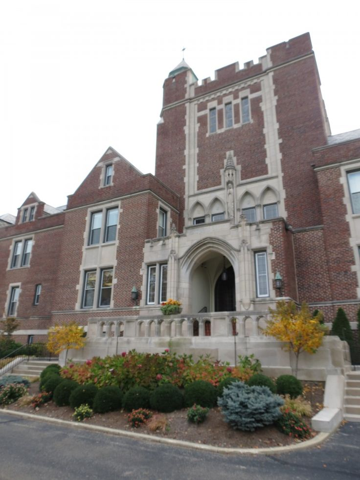 Notre Dame Academy was founded by the Sisters of Notre Dame, Covington, Kentucky, in 1906.