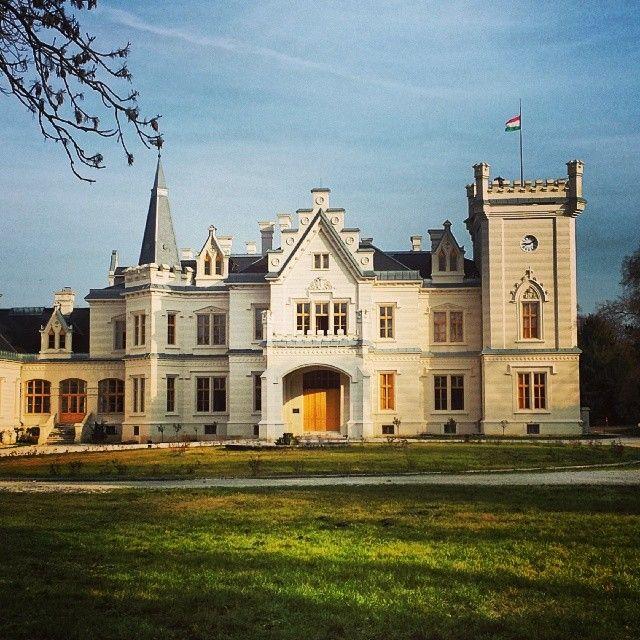 Nádasdy-kastély itt: Nádasdladány, Fejér