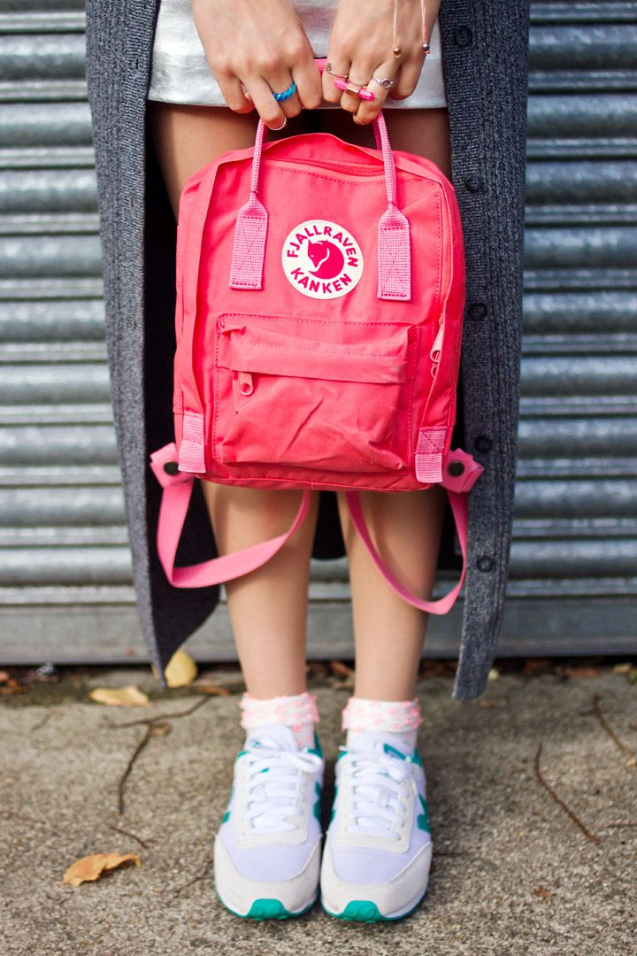 fjallraven kanken pink backpack, turquoise new balance trainers and asos maxi cardigan outfit