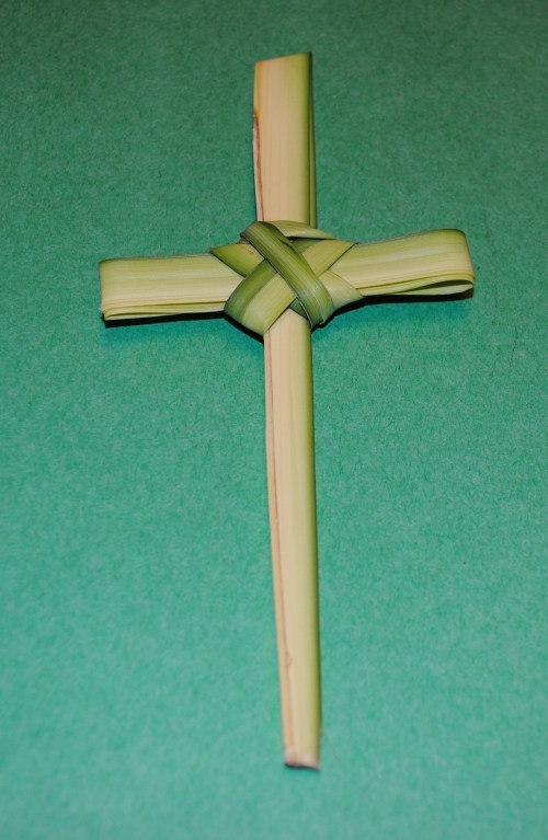 how to make a palm cross simple