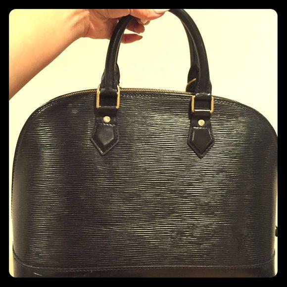 Louise Vuitton Epi leather Louise Vuitton Epi leather Alma black Louis Vuitton Bags Totes