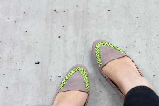 Decoration your old shoe. Thêm chút mới mẻ cho giày của bạn.