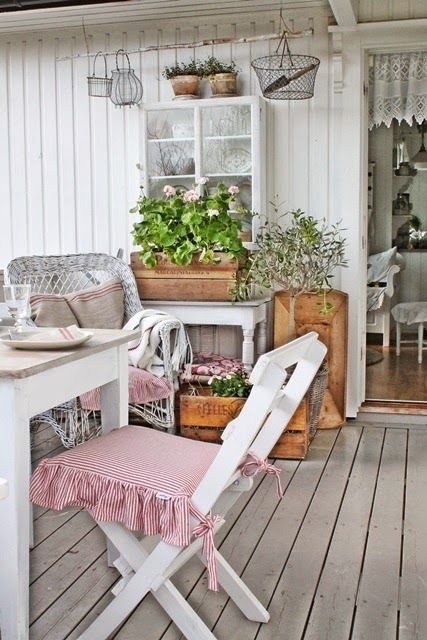 17 best images about porch decorating on pinterest for Arredo portico