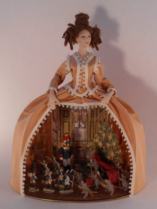 #3+advent+-+$1,600.00+:+Swan+House+Miniatures,+Artisan+Miniatures+for+Dollhouses+and+Roomboxes