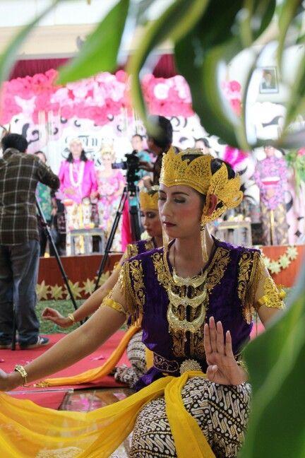 The javanese dancers