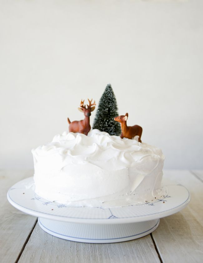 DEVIL'S FOOD CAKE WITH SEVEN MINUTE FROSTING // THE KITCHY KITCHEN