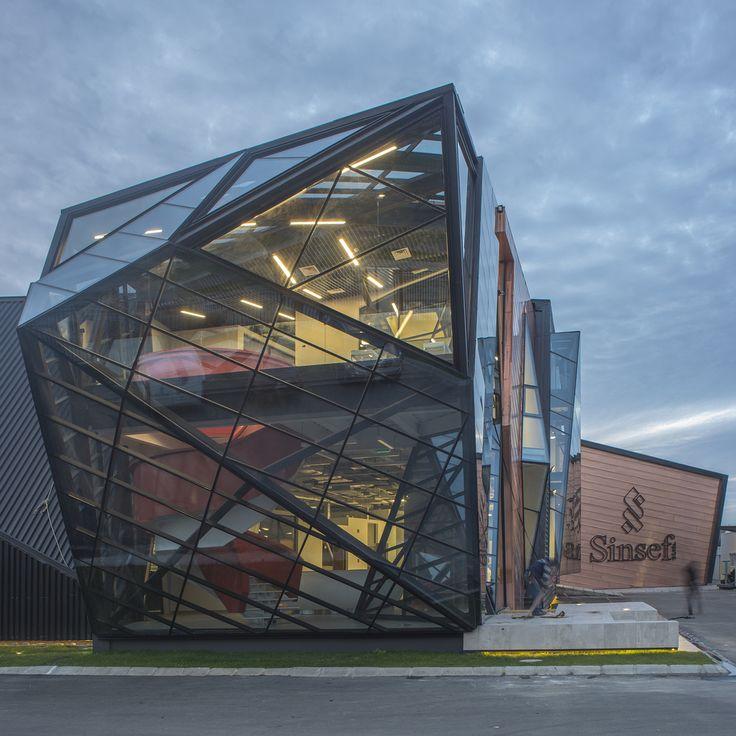 Galería de Edificio corporativo Comercial Sinsef / The Standard - 1