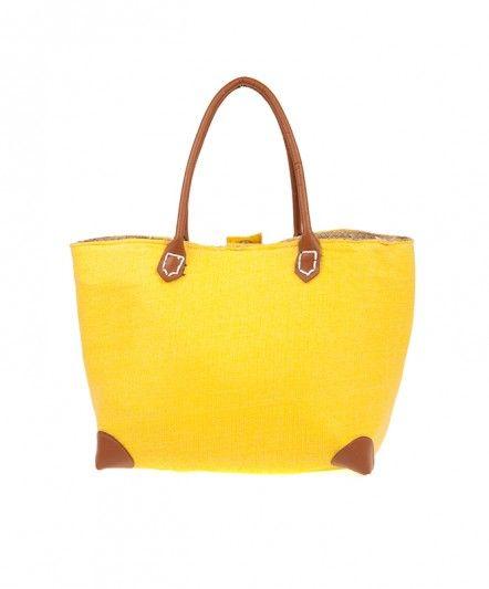 Büyük çantayı ve bu senenin moda rengi sarıyı sevenler için