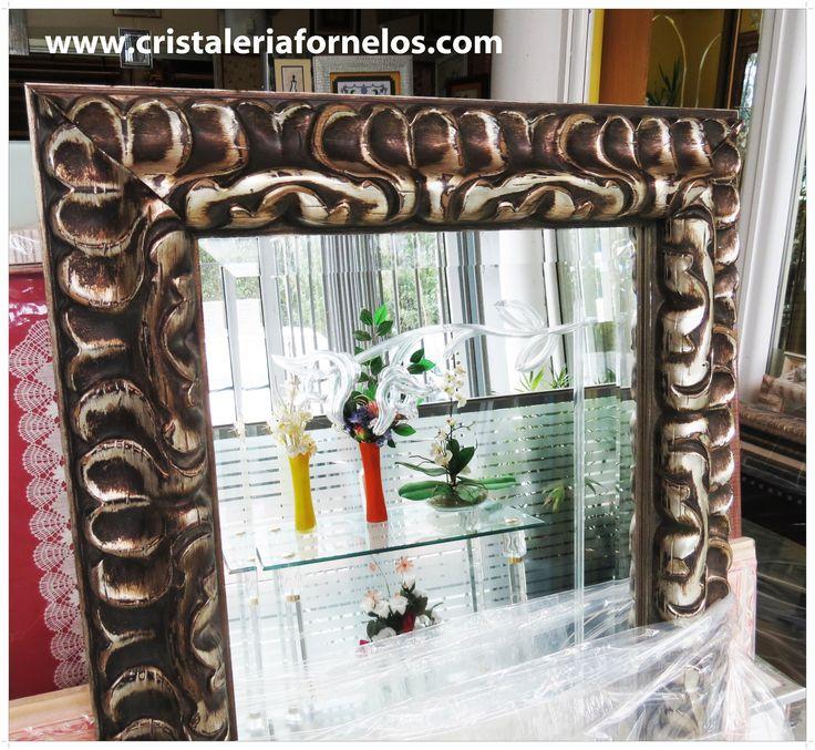 Espejos con distinción!   Elegancia y funcionalidad en tu hogar.... gracias a nuestros espejos enmarcados! :-) Qué te parecen?  #somosfans