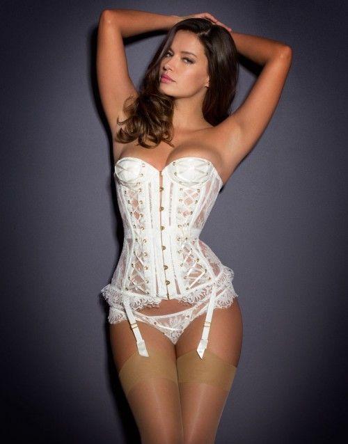 Vera Corset Ivory http://www.weddingheart.co.uk/agent-provocateur---bridal-lingerie.html