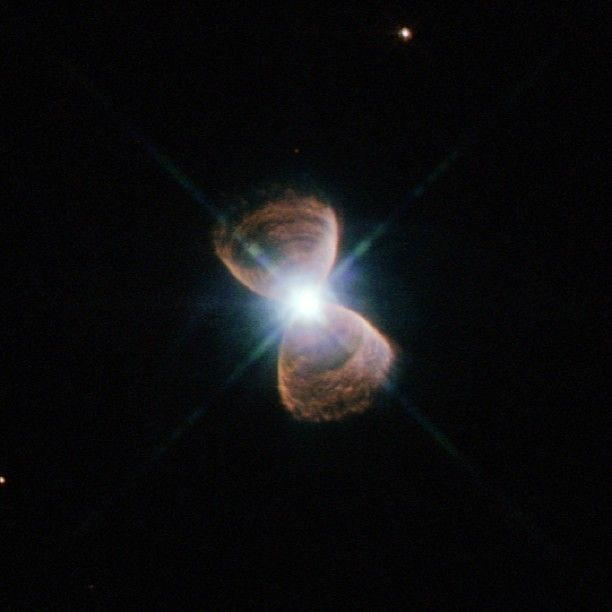[ @ ] nasagoddard Some Planetary Nebulae Have Bizarre Alignment to Our Galaxy -- Hubble astronomers have found an unexpected surprise while surveying more than 100 planetary nebulae in the central bulge of our Milky Way galaxy.