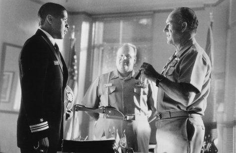 Still of Denzel Washington, Gene Hackman and George Dzundza in Marea roja (1995)