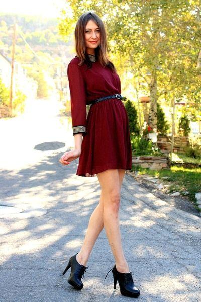 Crimson-dahlia-dress-black-aldo-heels_400