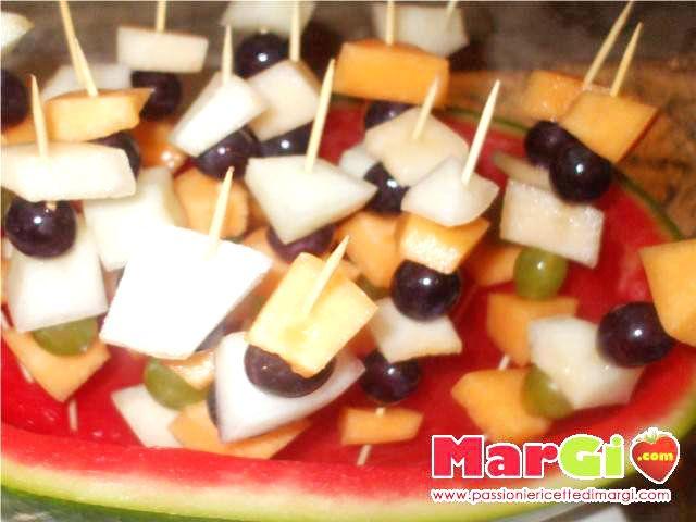 Composizione di frutta estiva ricette dessert facili