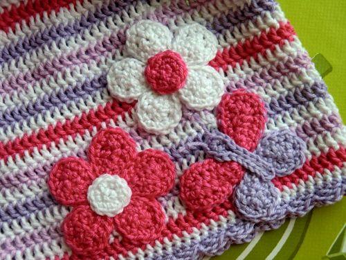 Motýlek s květinou, flower butterfly applique crochet pattern