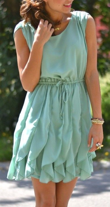 Mint ruffled dress.. If this was navy.. Yes!