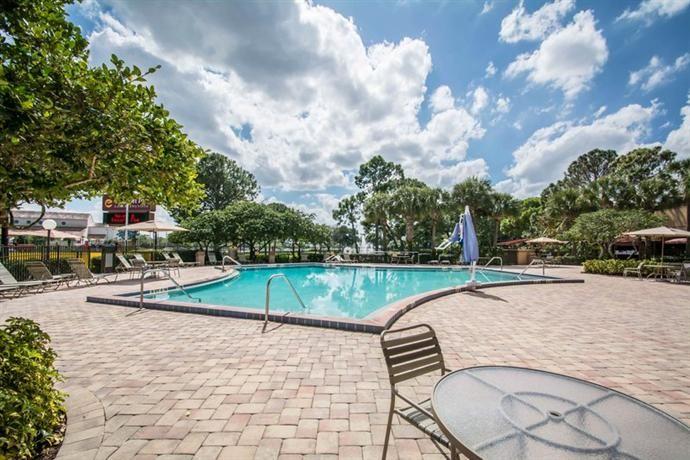 Clarion Inn Lake Buena Vista a Rosen Hotel, Orlando - Compare Deals